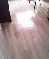 颜色很正,手感细腻,原来的担心总算平定下来了!荣登地板,硬度不错。